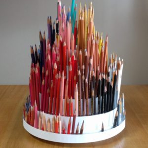 回転式色鉛筆立て(a Desktop Rotating Pencil Holder)